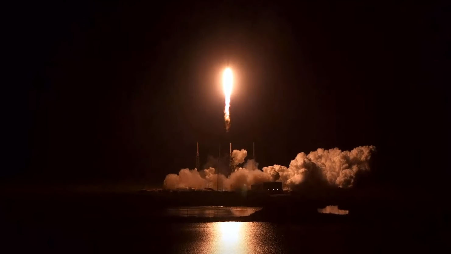 SpaceX delays Starlink satellite fleet launch because of bad weather thumbnail