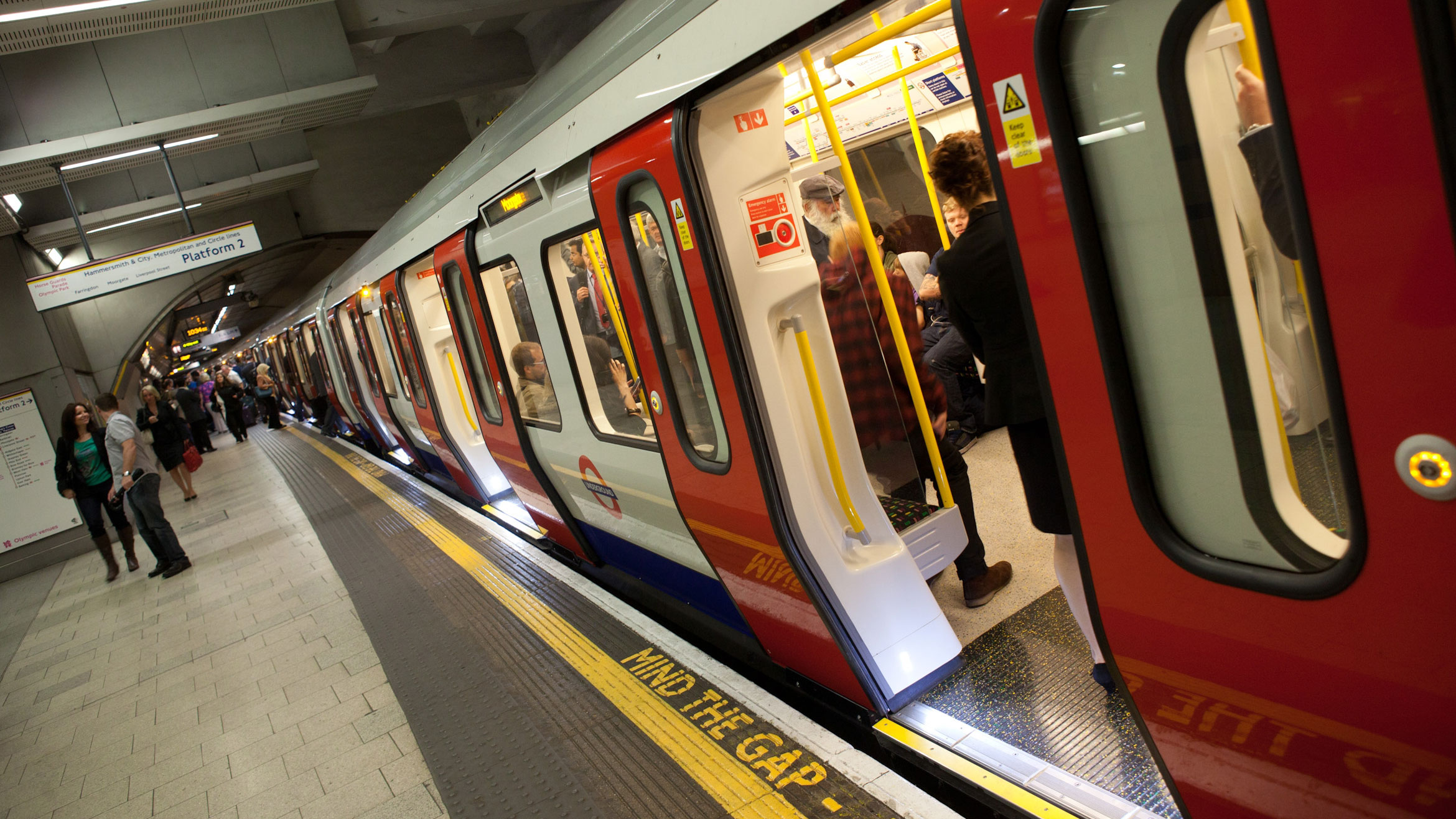 EE signs up to London Underground 4G trial