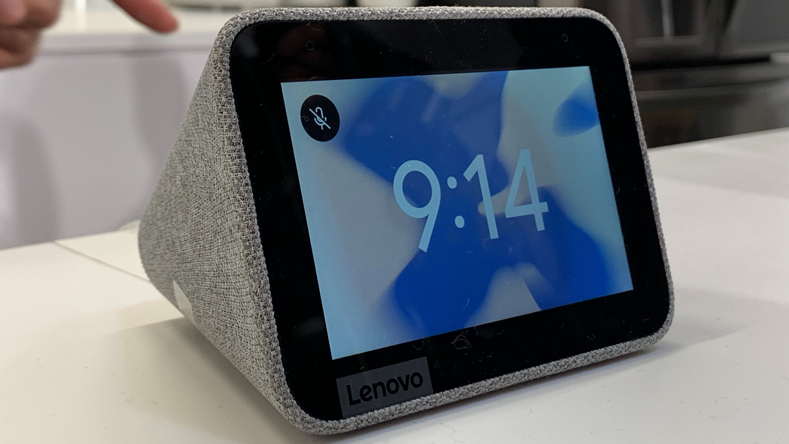 Lenovo's trio of new smart screens includes a clock and dockable tablets