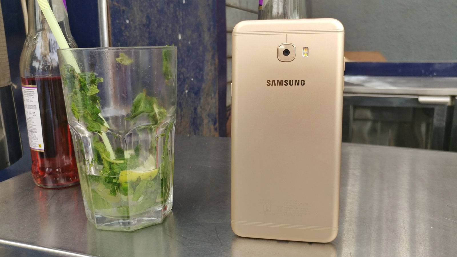 Should You Buy Samsung Galaxy C7 Pro For Rs 27 990 Online News
