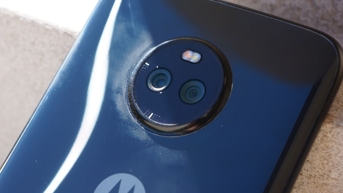 Created At 2017 10 25 0216 Salib Ring Holder Stand Smartphone A New Image Of The Moto X4 Retail Box Has Surfaced Ahead Launch Courtesy Dealntechcom Leaked Photo Suggests Price Tag Rs 23999 For