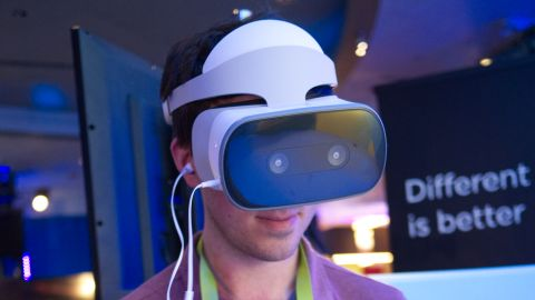 Lenovo's Standalone VR Headset - The Mirage Solo With Qualcomm Snapdragon VR