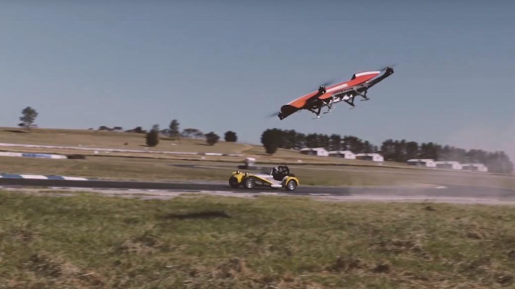 ▷ Certificadamente loca: cómo nació la primera liga de carreras de autos voladores del mundo 1