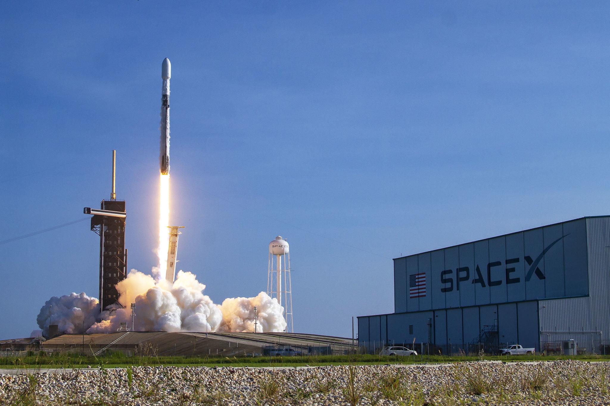 SpaceX postpones next Starlink satellite fleet launch due to rocket camera issue