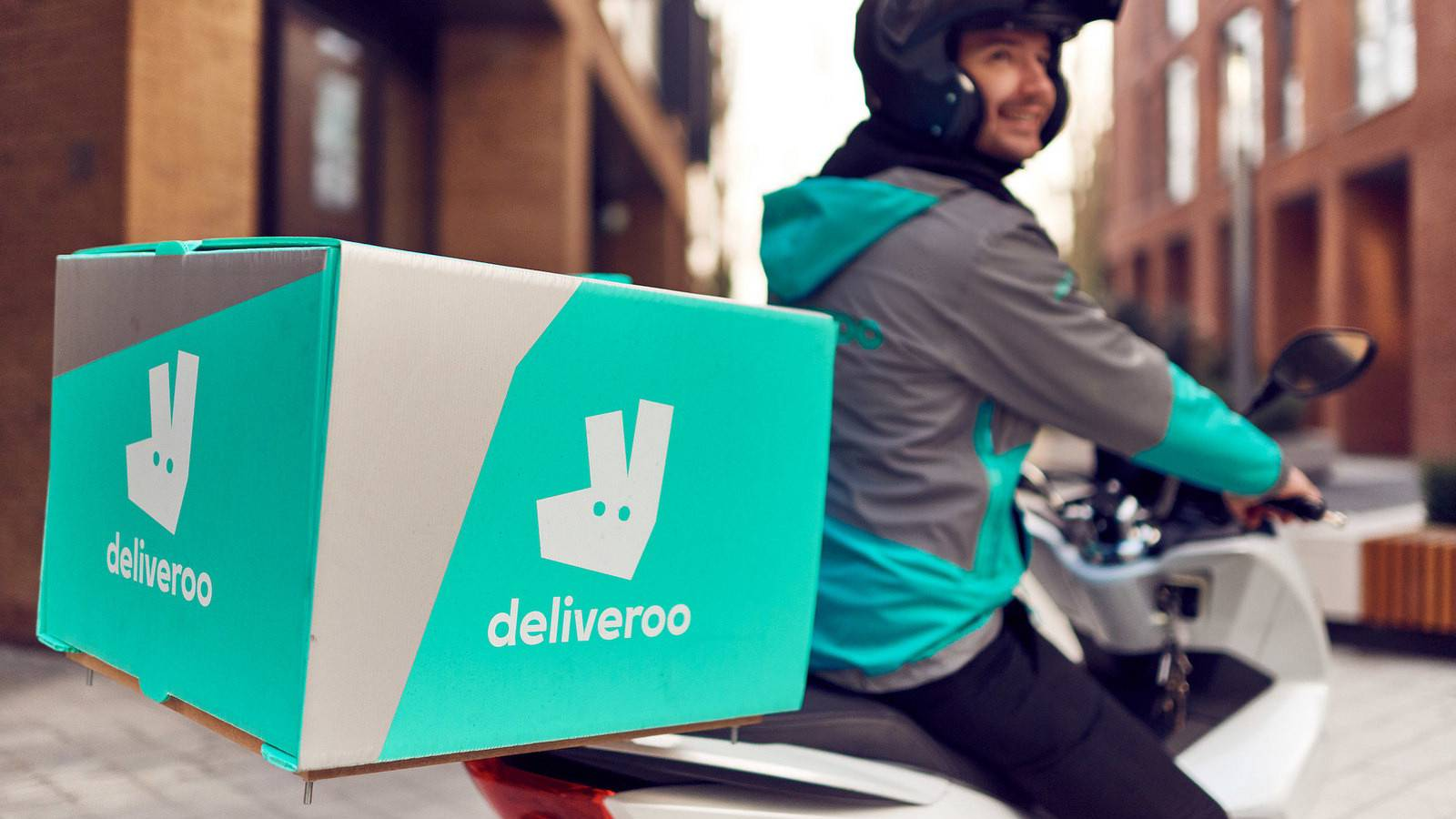 Marks and Spencer teams up with Deliveroo to deliver groceries online