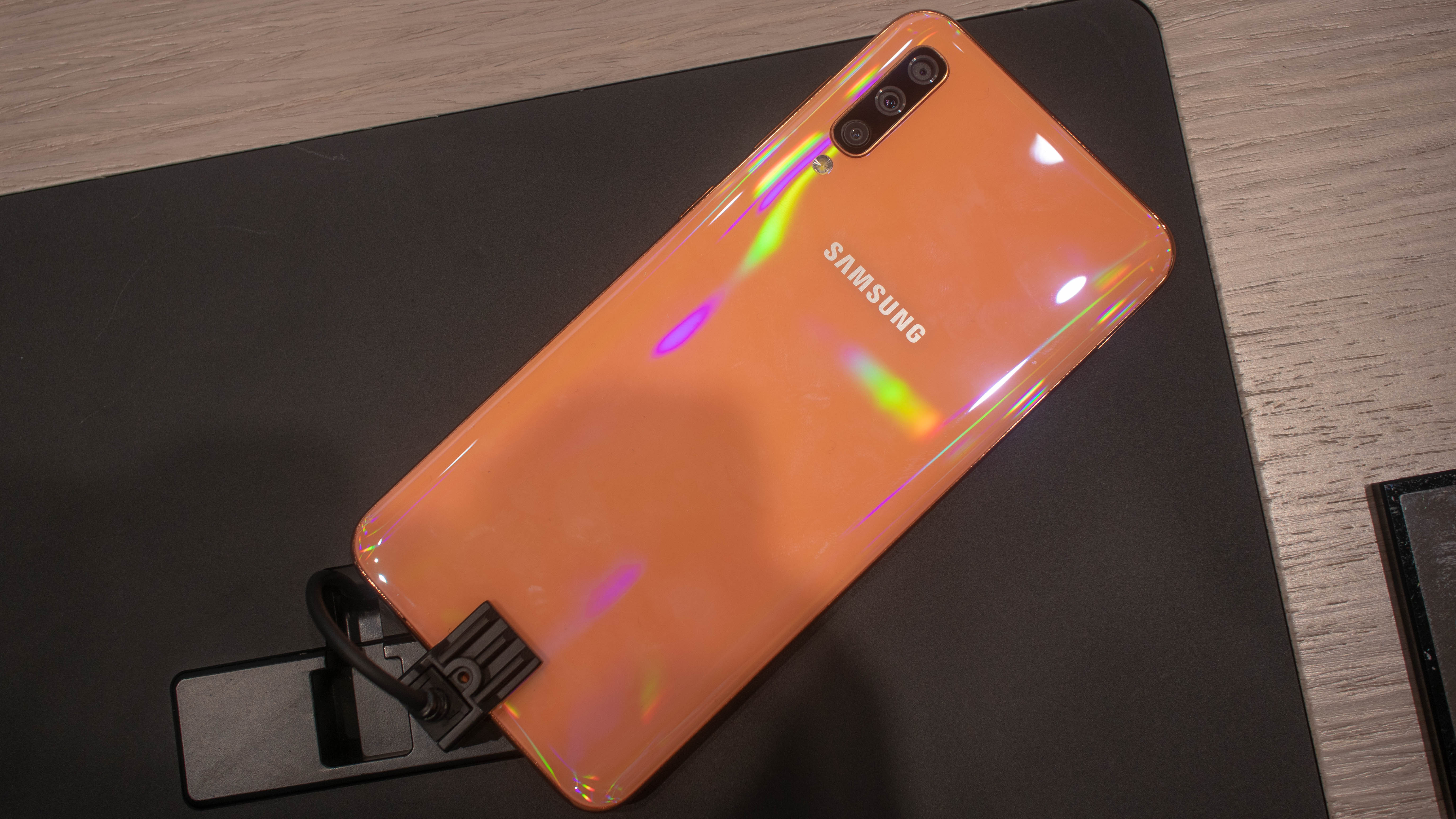 XFgCRCJiYQY7PSWmm7fmnh - Samsung Galaxy A50 vs Galaxy A80: which affordable phone is best for you?