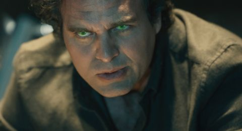 Mark Ruffalo takes fans behind-the-scenes of 'Thor: Ragnarok' on social media