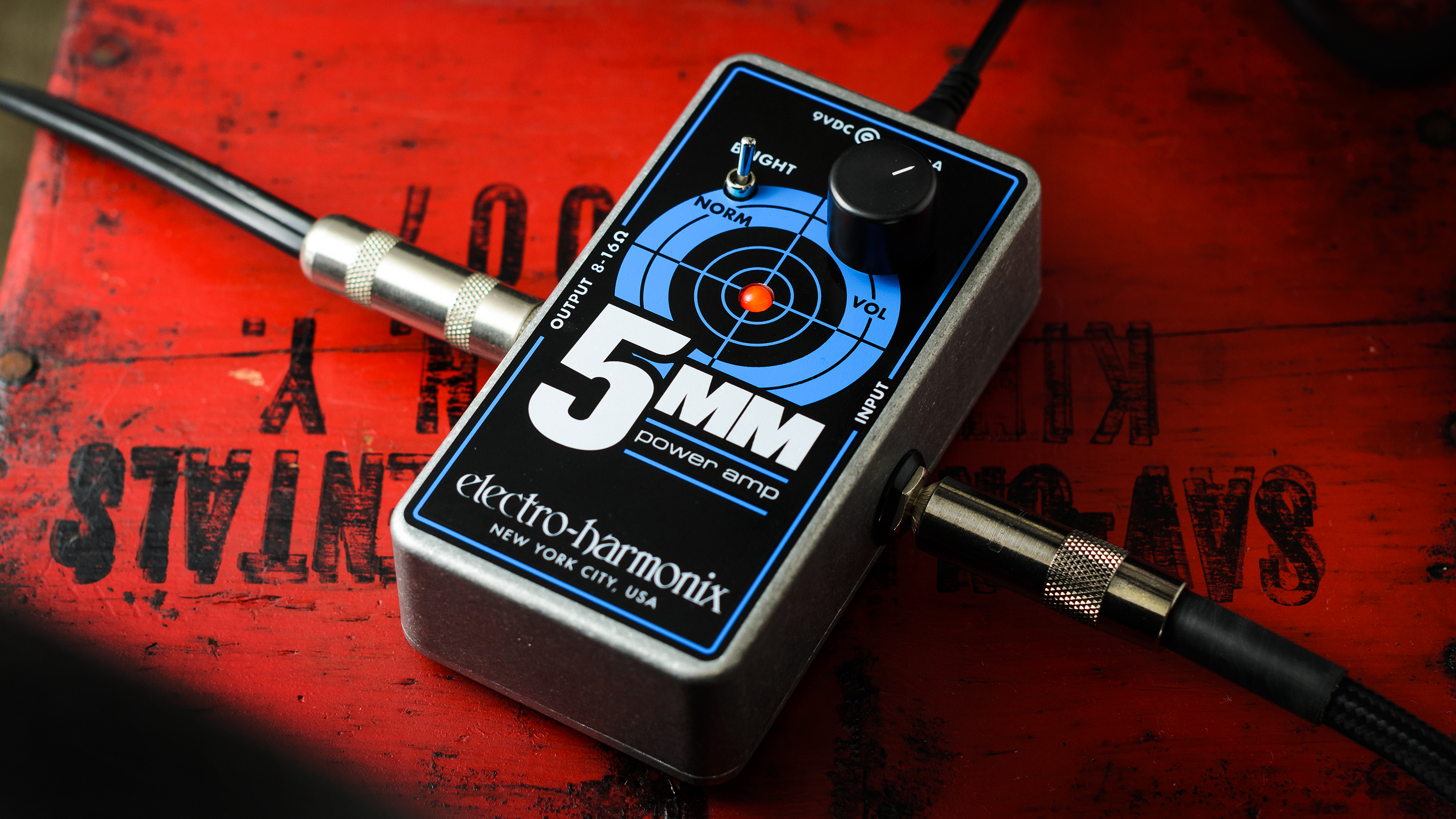 Go from sparkly cleans to raw bluesy grit with Electro-Harmonix's new 5MM Guitar Power Amplifier