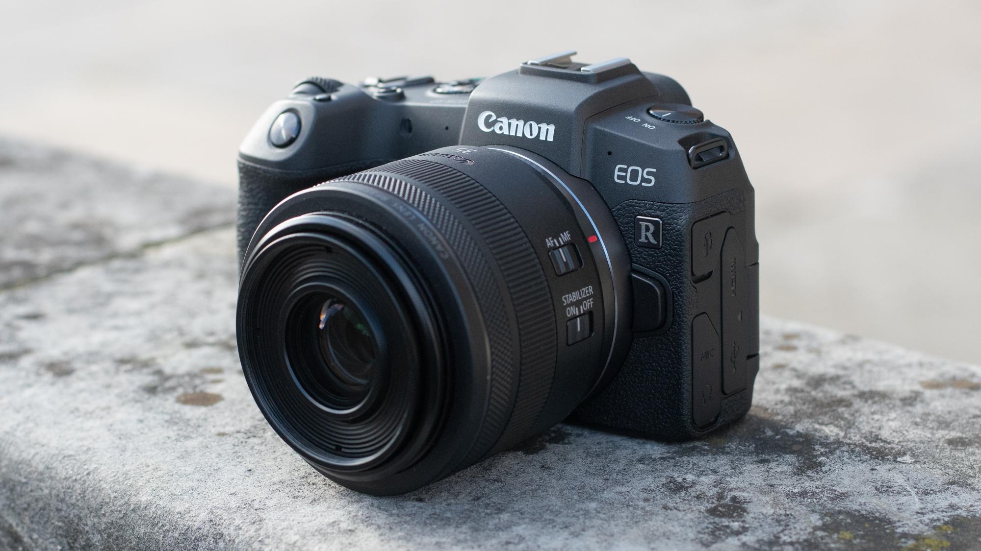 ▷ La mejor cámara sin espejo de fotograma completo 8