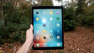 iPad Pro 12.9 (2016) review: Design and screen