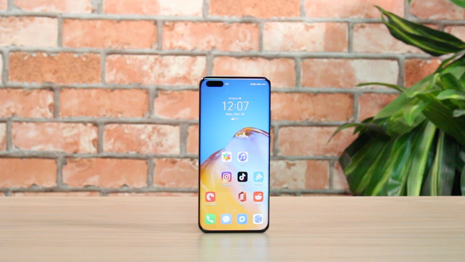 The Huawei P40 Pro is the king of performance with a stunning camera setup