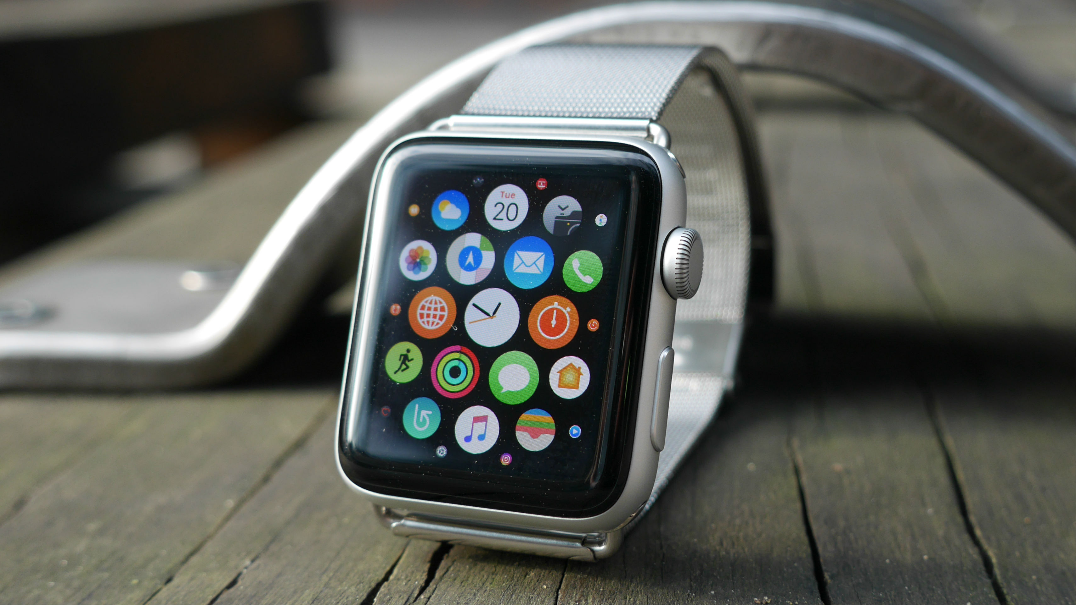 Here's more evidence the Apple Watch 3 could launch later this year
