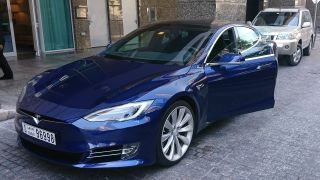 Electric Cars In Dubai Get Free Registration Salik Parking And