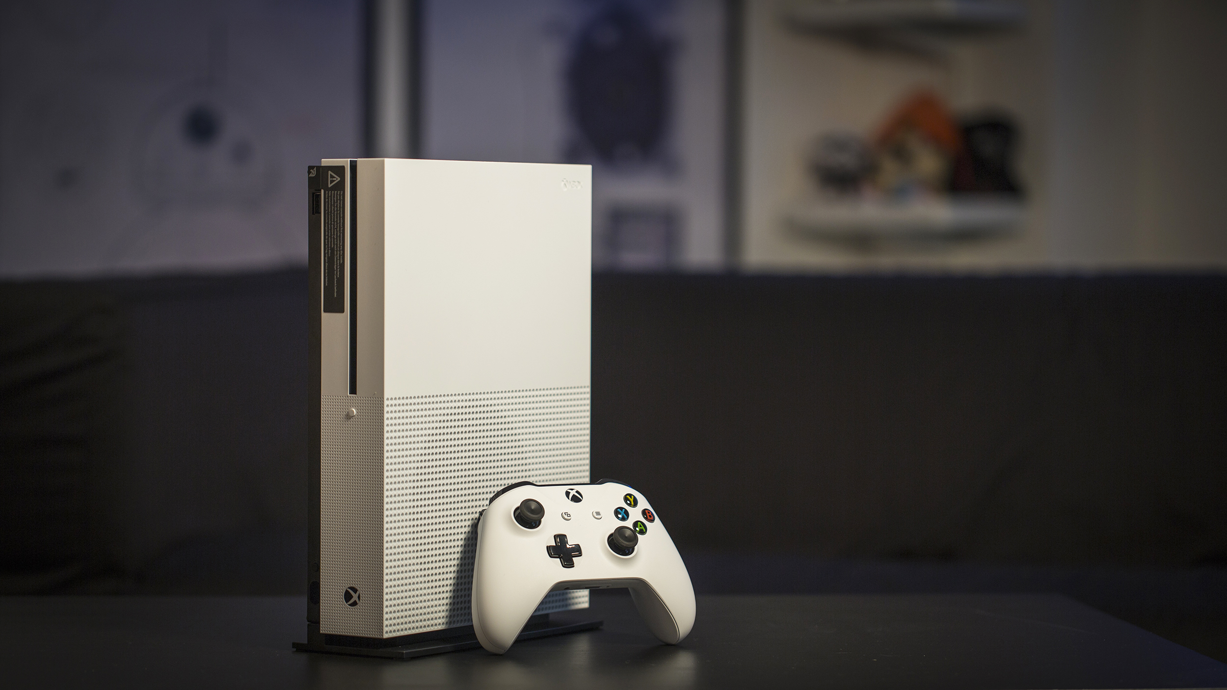 microsoft responds to the ps4 pro u0027s absent 4k blu ray drive