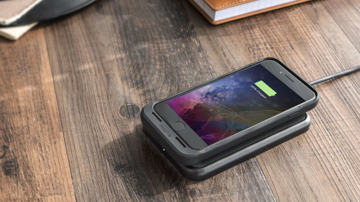 Your iphone 7 can now use wireless charging with this mophie battery case 1 03 6