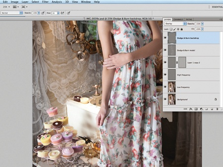 Retouch images with frequency separation: step 8