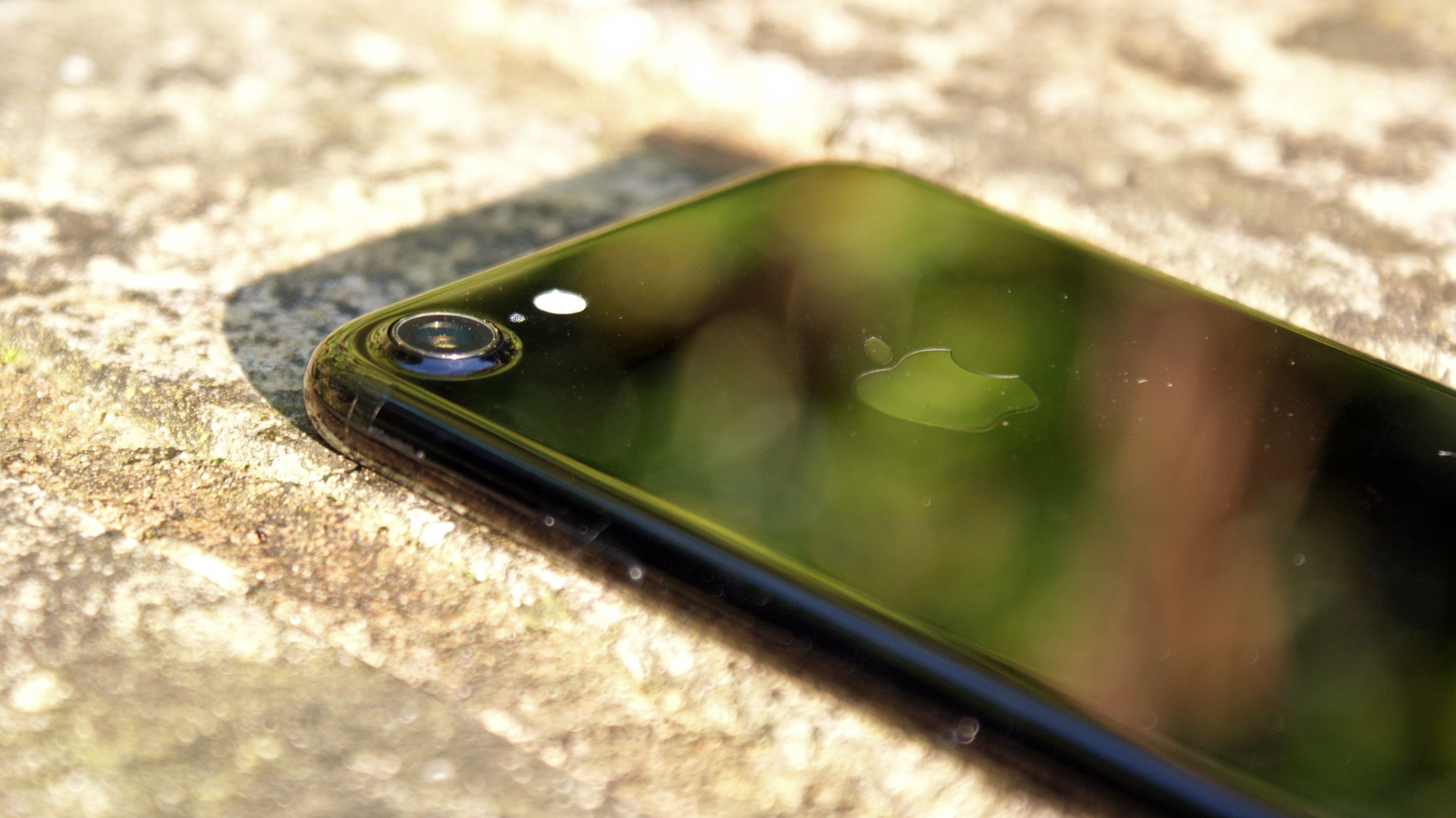 The iPhone 8 could have a smart camera that knows what it's looking at