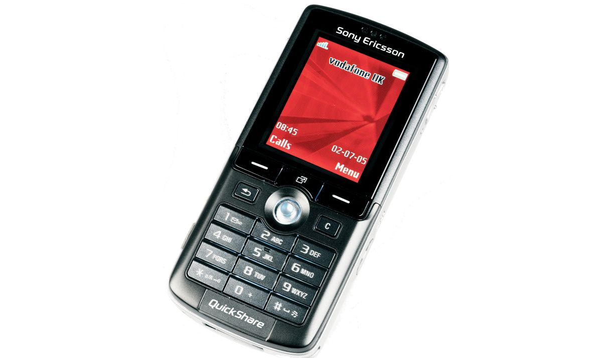 retro phone review sony ericsson k750i features and performance techradar. Black Bedroom Furniture Sets. Home Design Ideas