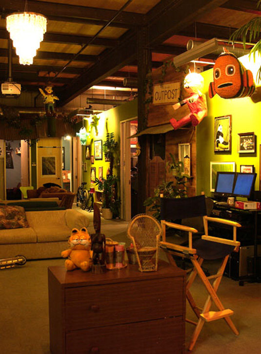 16 stimulating design offices to stir the senses for Oficinas pixar