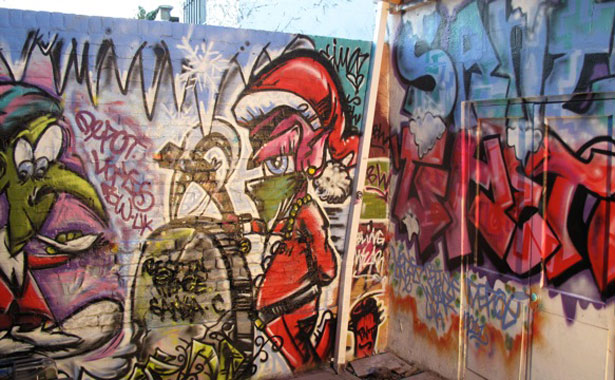 Graffik Gallery Christmas mural 2011 - picture 3