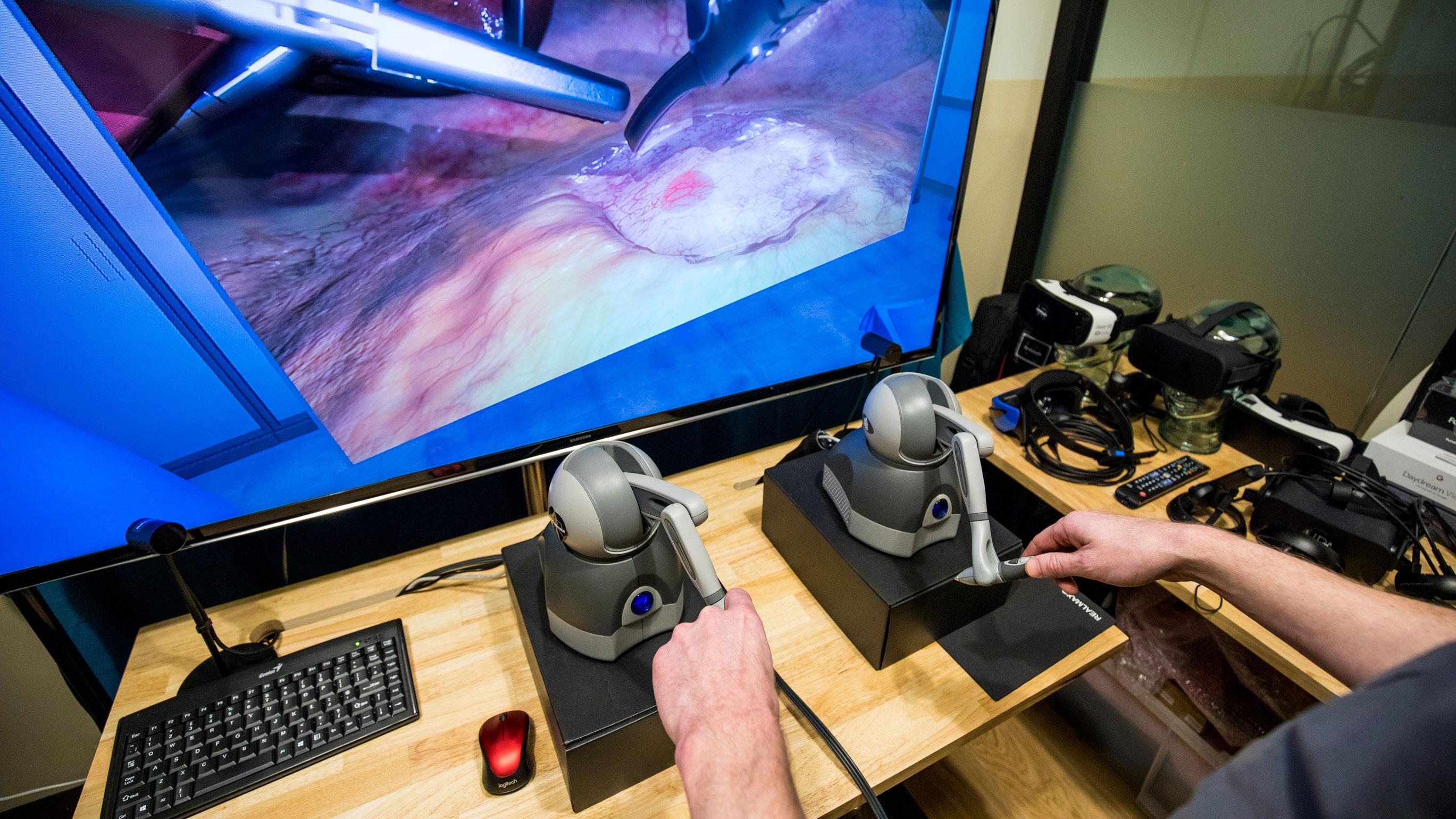 Conozca a la compañía haciendo hápticos para que pueda experimentar la sensación de cortar carne