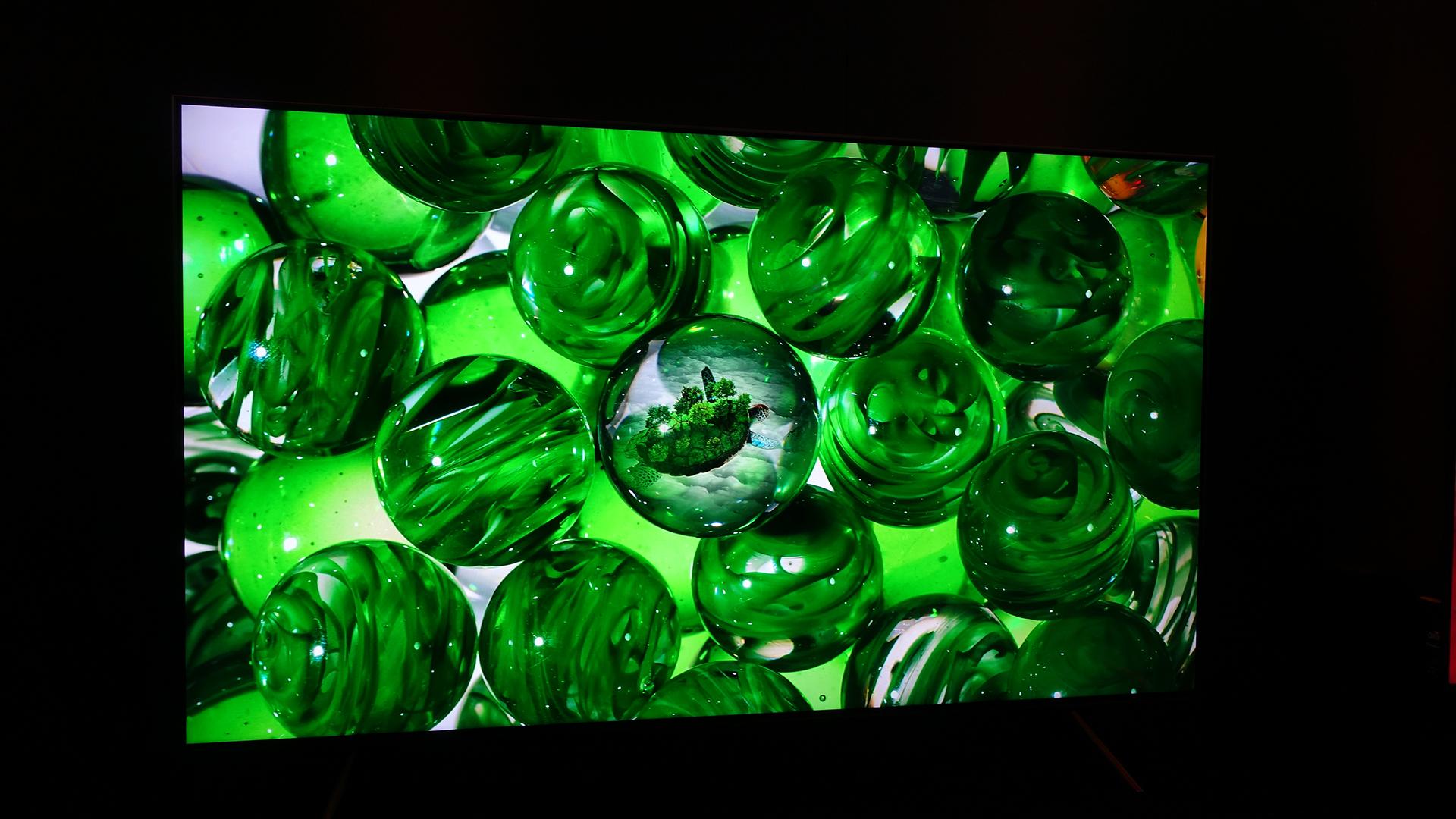 technologies: Samsung Q8FN QLED TV (QN65Q8FN)