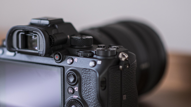 Zenit unveils 50mm f/0.95 lens