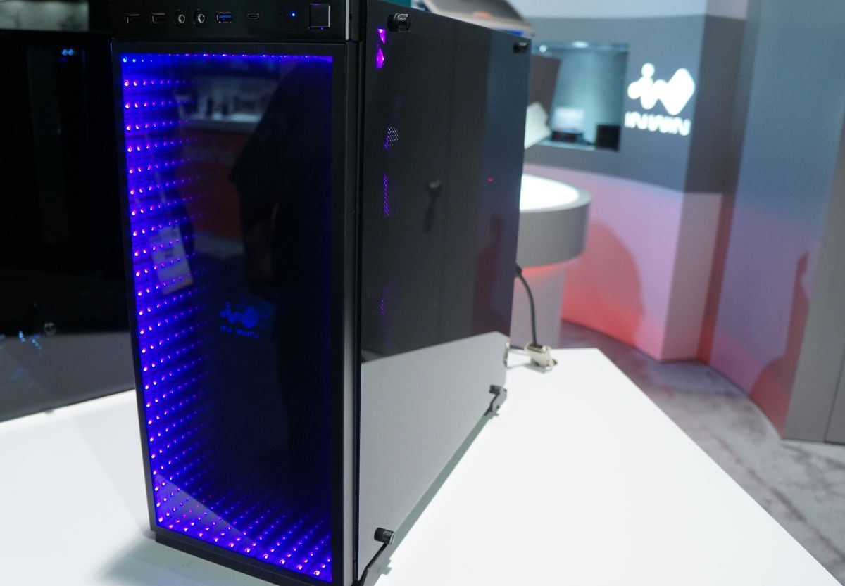 Check Out In Win S Awesome Infinity Mirror Pc Case Pc Gamer