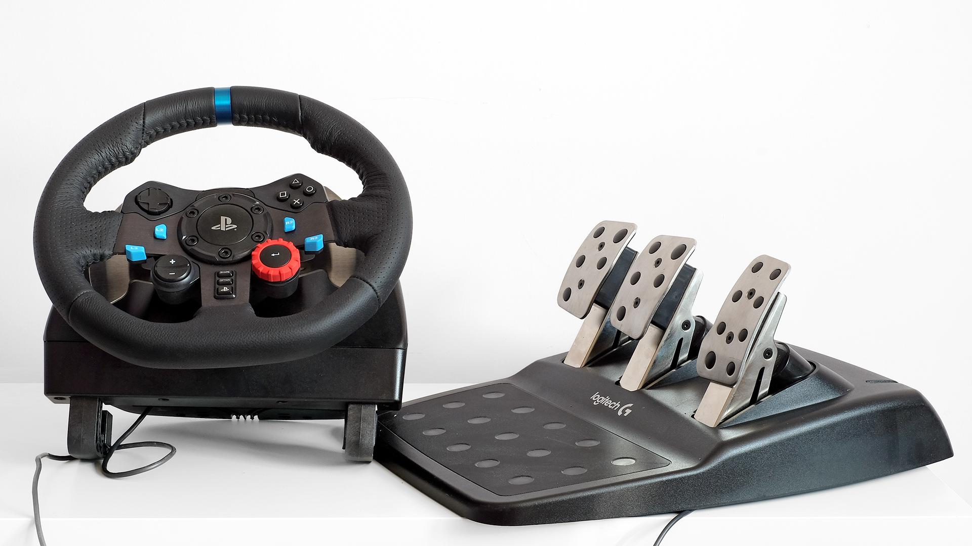 Best racing wheel: Logitech vs Thrustmaster vs Fanatec vs Hori