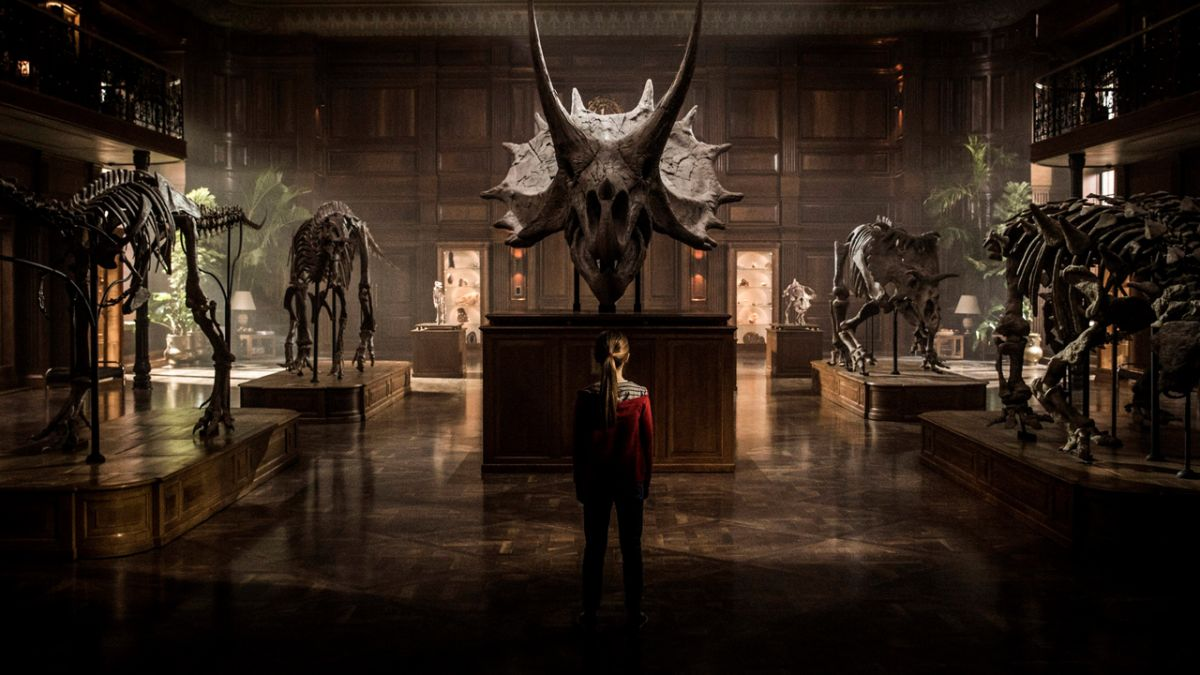 Behind the scenes shots from Jurassic World: Fallen Kingdom show some familiar dinos and places