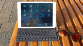 Ipad Pro 9 7 Review True Tone Display Smart Keyboard And