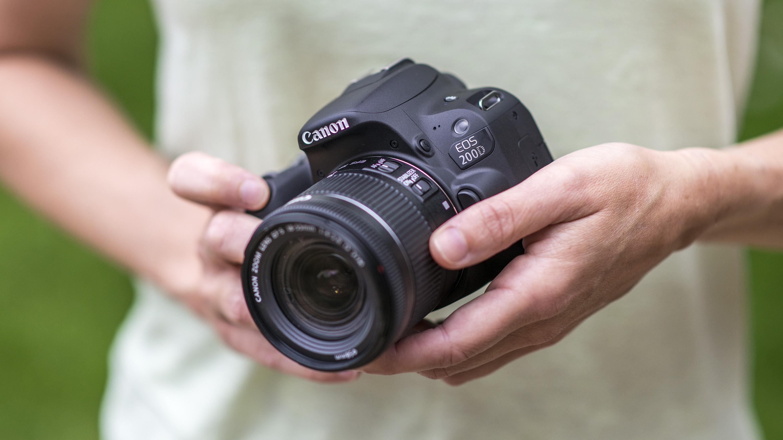 Canon EOS Rebel SL2 / Canon EOS 200D
