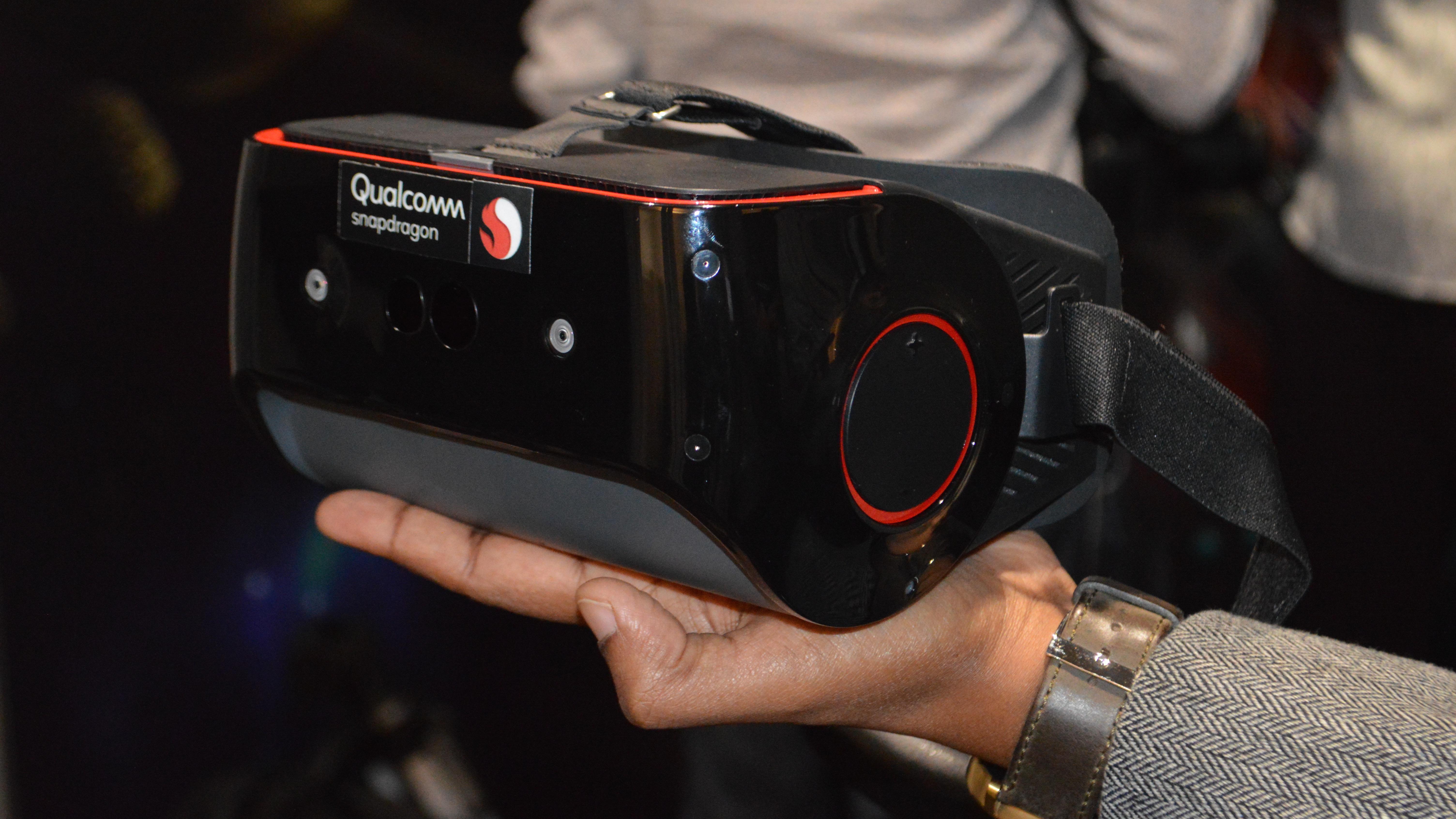 Los auriculares con diseño de referencia más recientes de Qualcomm llevan la realidad virtual independiente al siguiente nivel