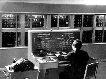 """Profissão do Futuro: """"Programista"""""""