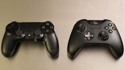 Xbox One vs PS4 controller