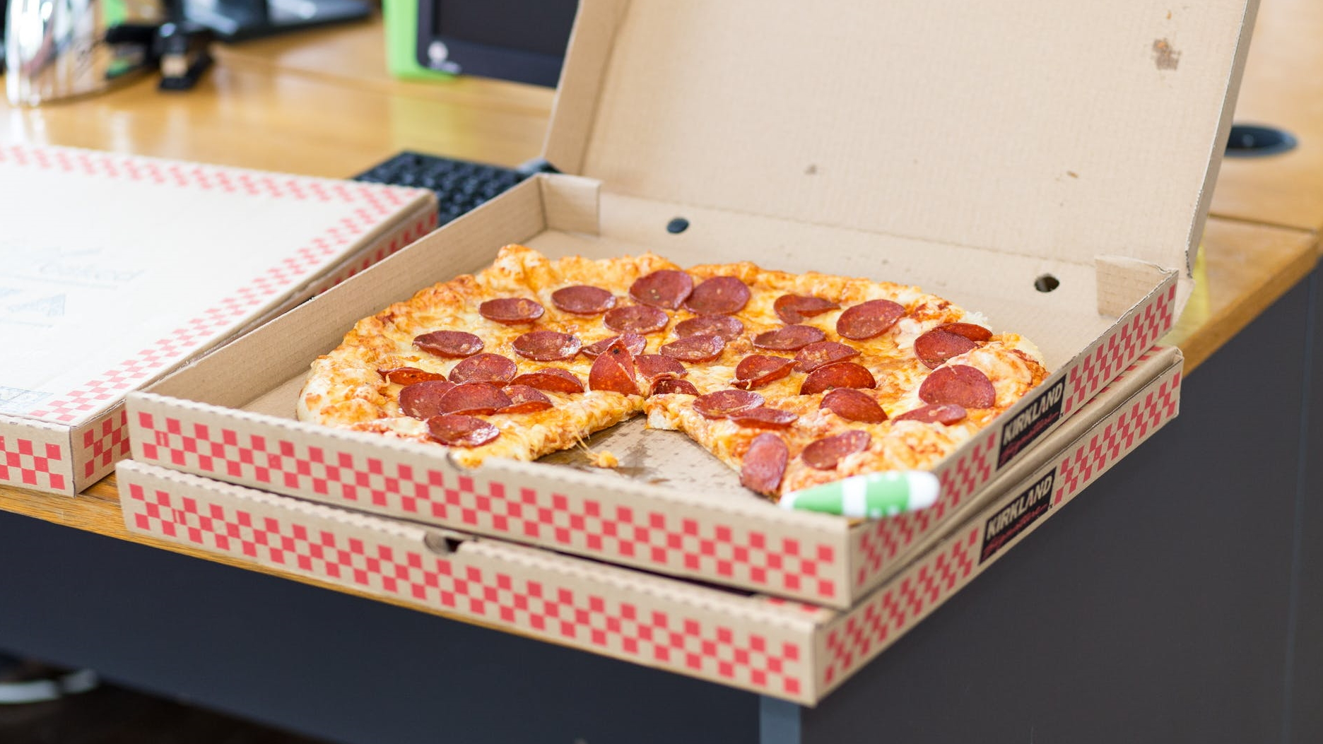 Pizza delivery available now - grab the latest pizza deals in your area