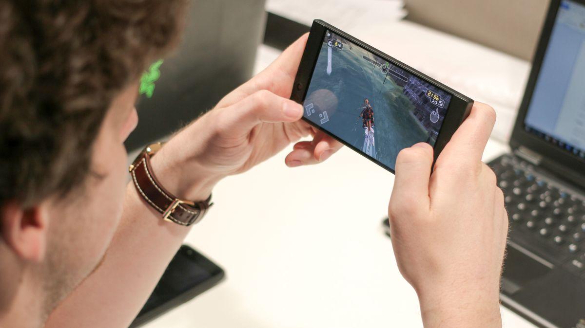 HeryIT : Razer Phone review