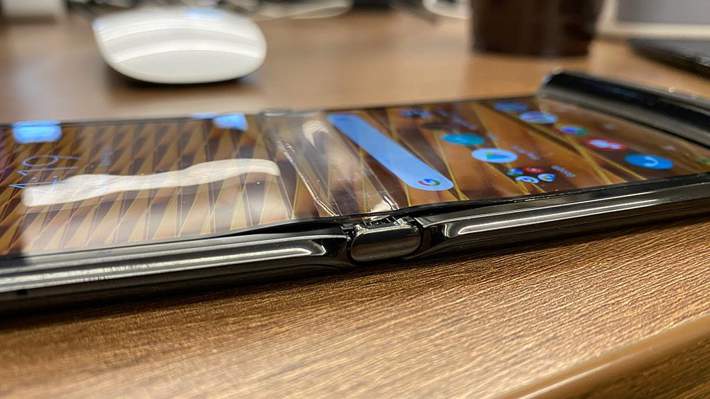 Motorola Razr screen peeling