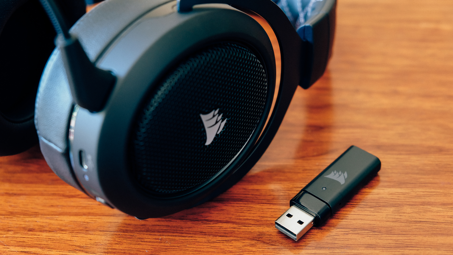 Corsair HS70 Wireless Gaming Headset - myOurReview