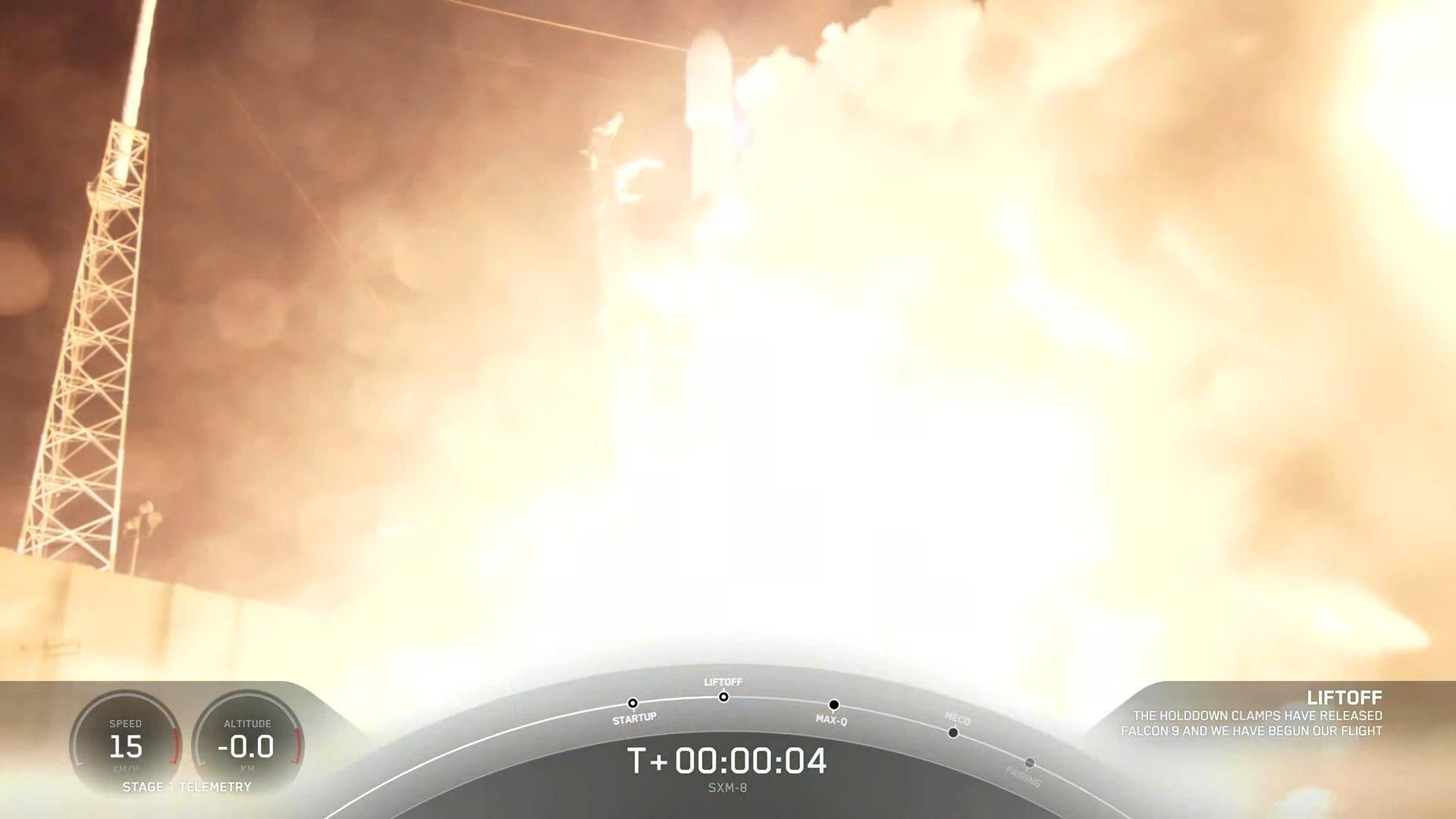 <p>SpaceX rocket Starts Sirius XM digital radio satellite, Claws Night landing at sea thumbnail