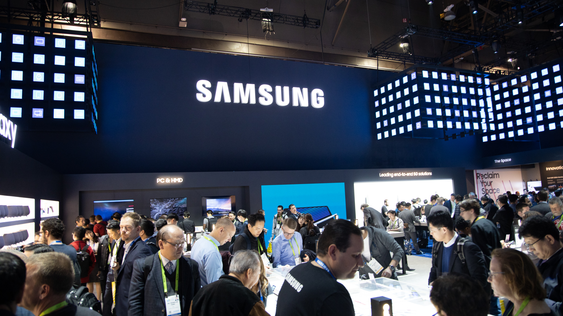 Samsung profits set to drop by 60 per cent 3