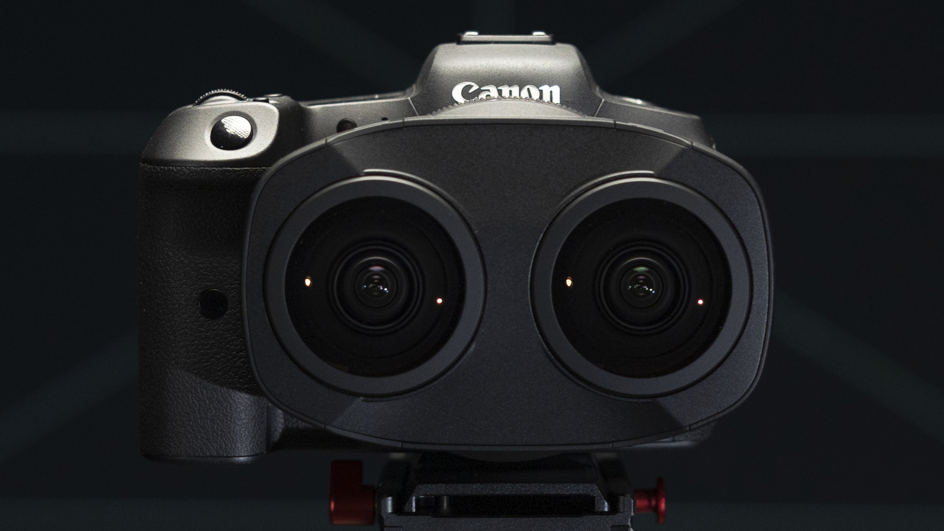 Canon's bizarre new lens lets you shoot VR video with the Canon EOS R5
