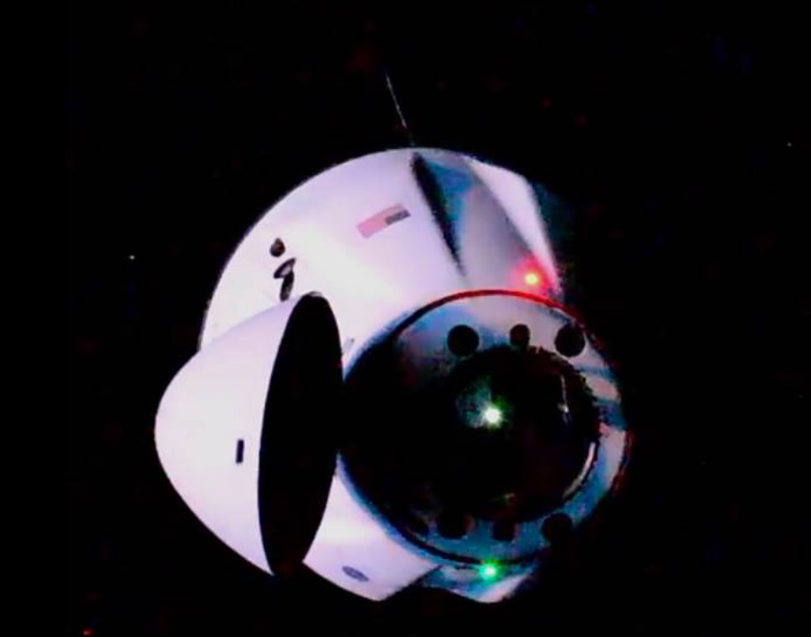 <p>SpaceX Dragon docks at space station to deliver new solar arrays and a Lot of Equipment thumbnail