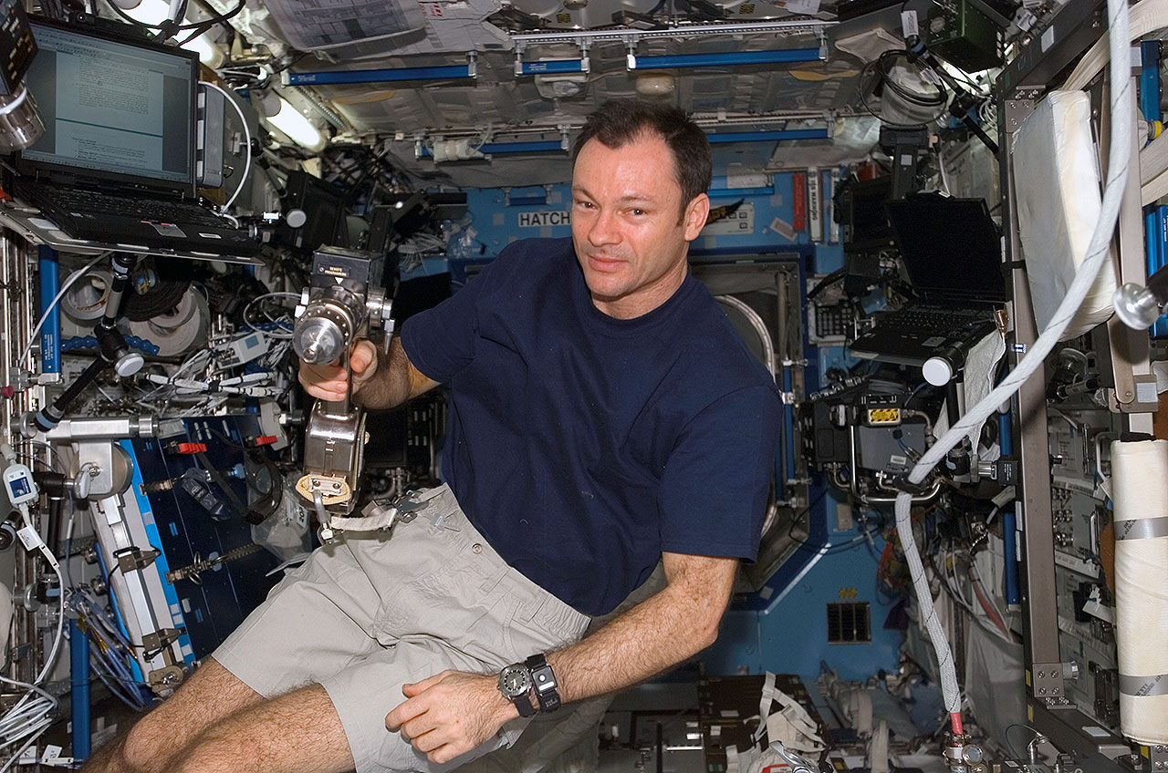 Former NASA astronaut Michael Lopez-Alegria to return to orbit on Axiom private mission