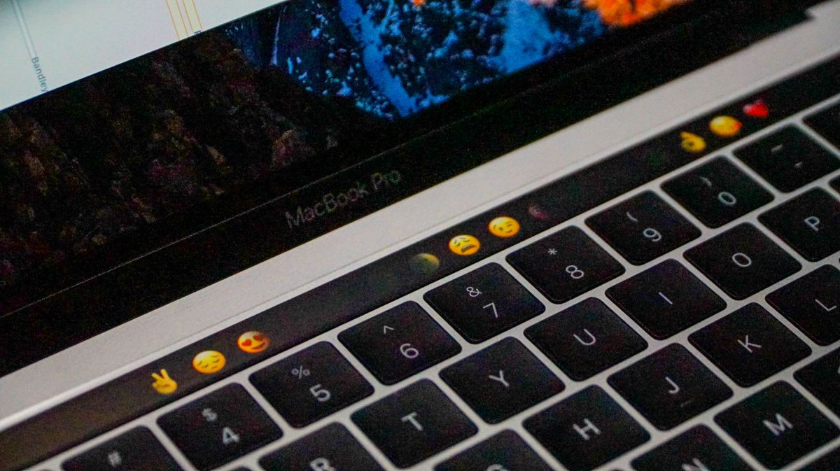 Could Apple's Latest Patent Move Point to a Virtual Keyboard for Future MacBooks?