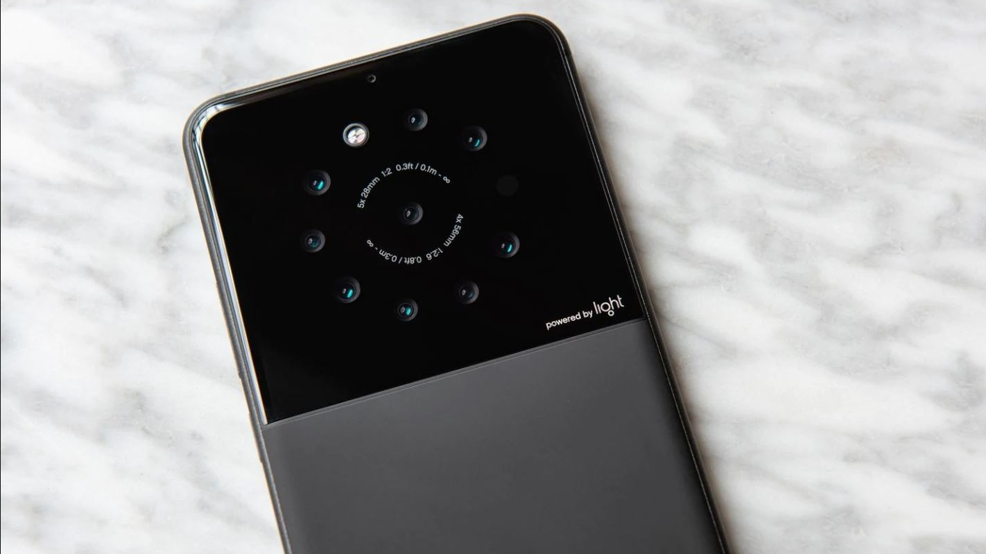 Three lenses on a smartphone? How about nine instead?