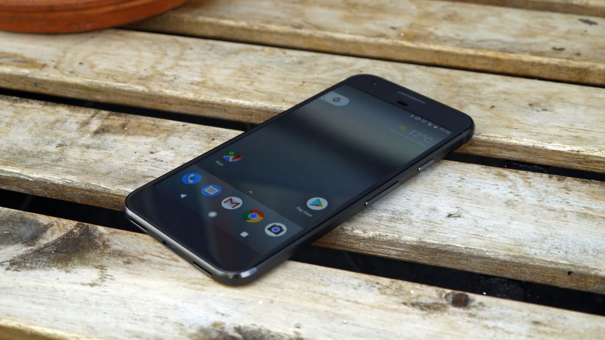 Google might be making a third phone, and this one's a super-sized phablet