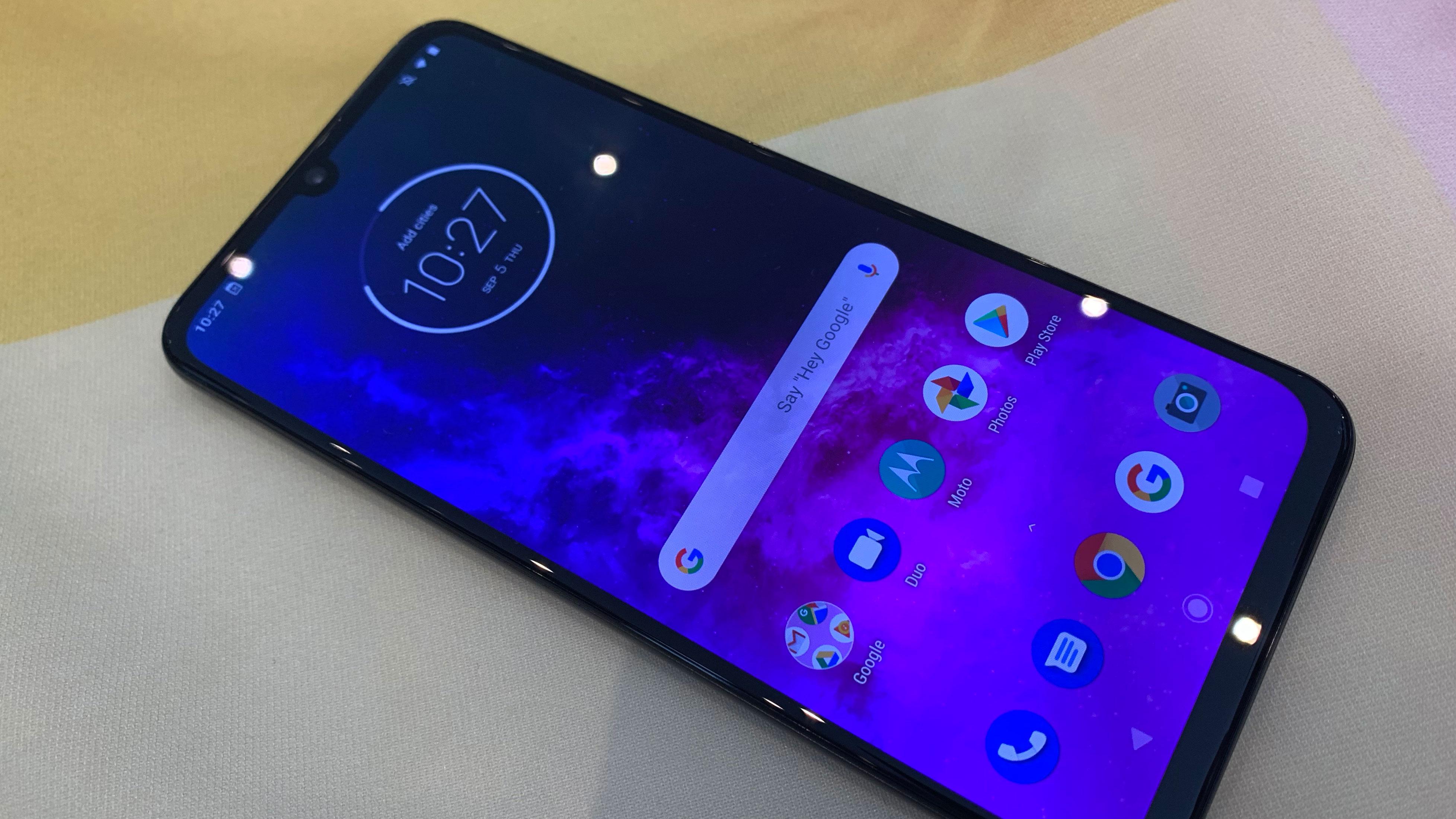 Motorola One Zoom is Moto