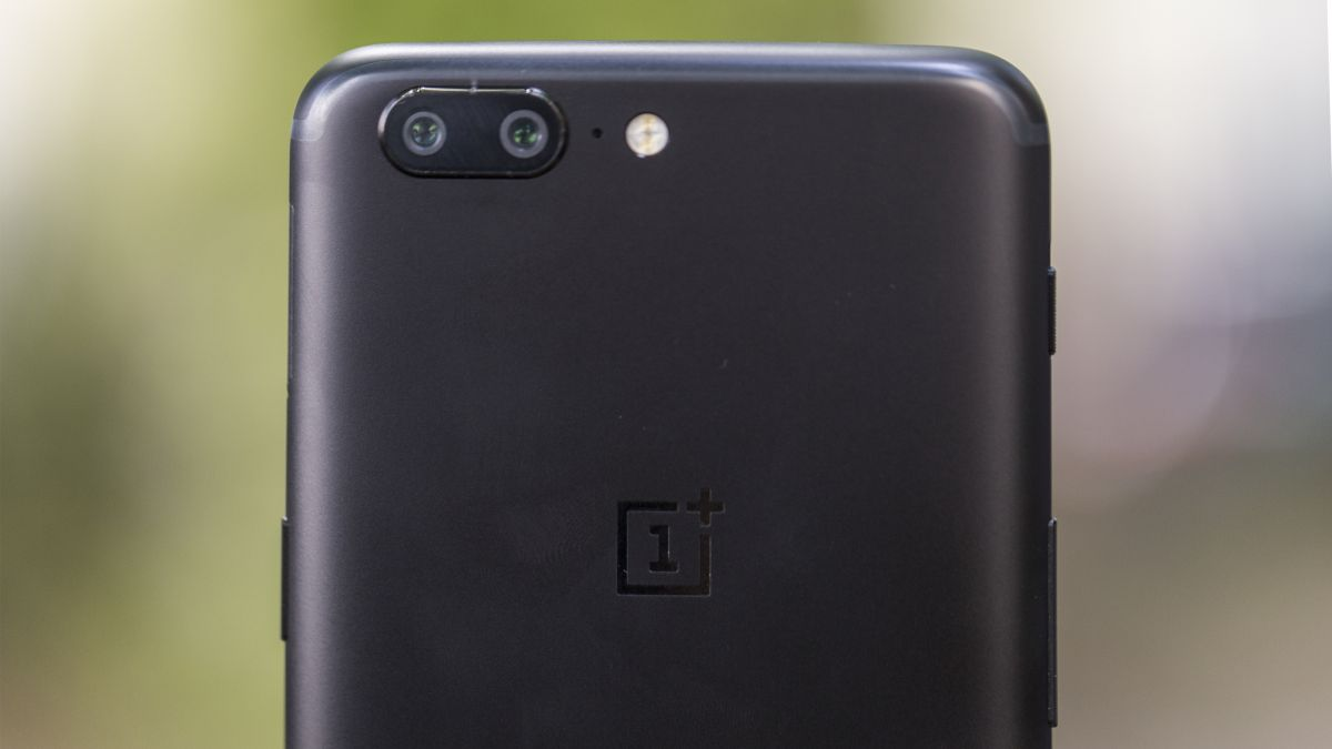 OnePlus 5T possibly appears in yet another leaked image