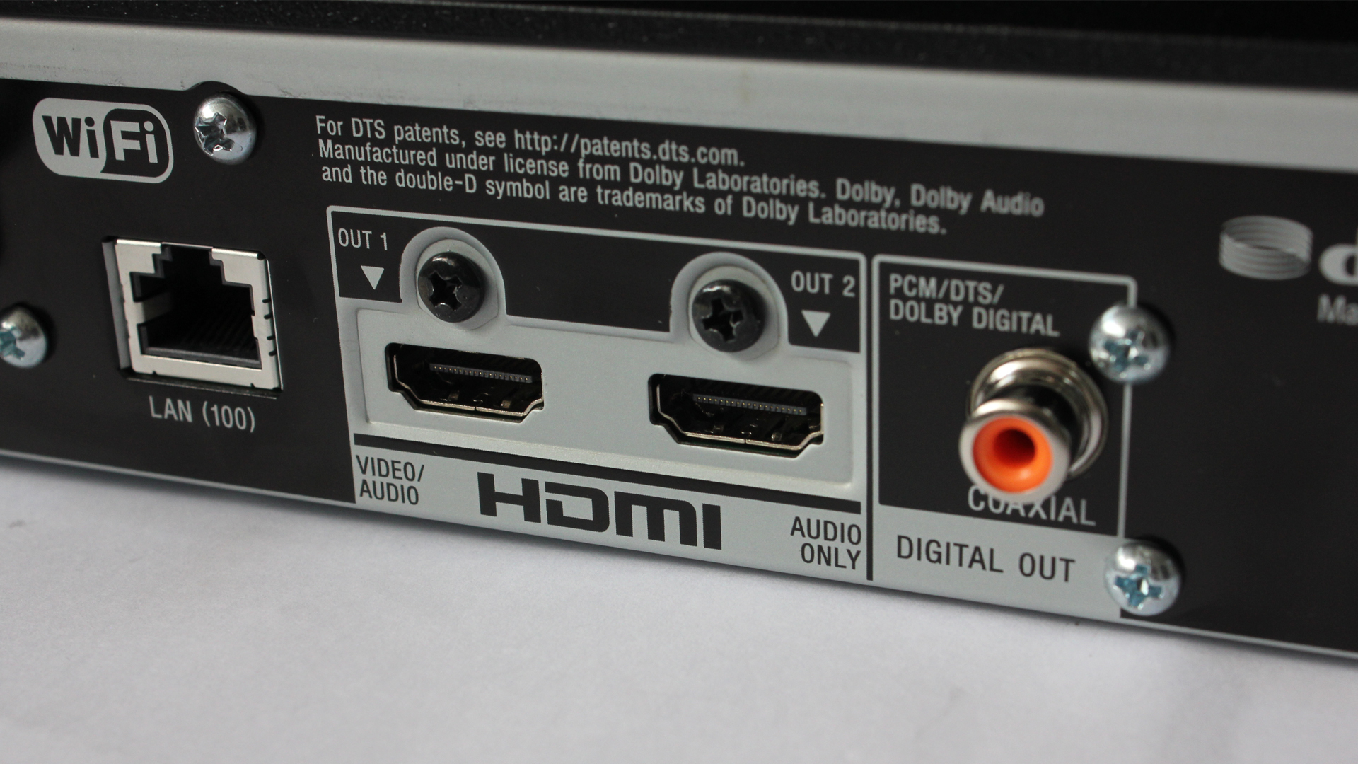 The player can output its sound and video through separate HDMI ports